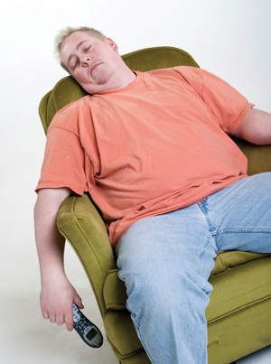 fat guy falls off chair № 79887