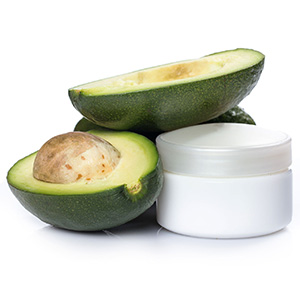Avocados, a great source of mono-unsaturated fats, vitamin B and potassium, can moisturize the skin and act as an exfoliating mask for dry skin.