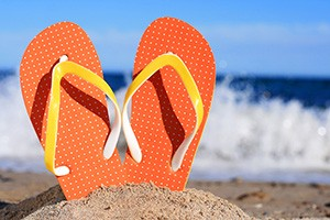 Look at your toes while wearing flip-flops. The distal part of your toe is trying to flex down (planter flex) to hold the flip-flop on while the other part of your toe (middle) is trying to bridge up (dorsi flex). Unfortunately, your toes should be doing exactly the opposite.